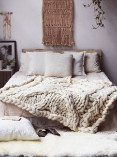 Relaxing neutral bedroom designs (29)