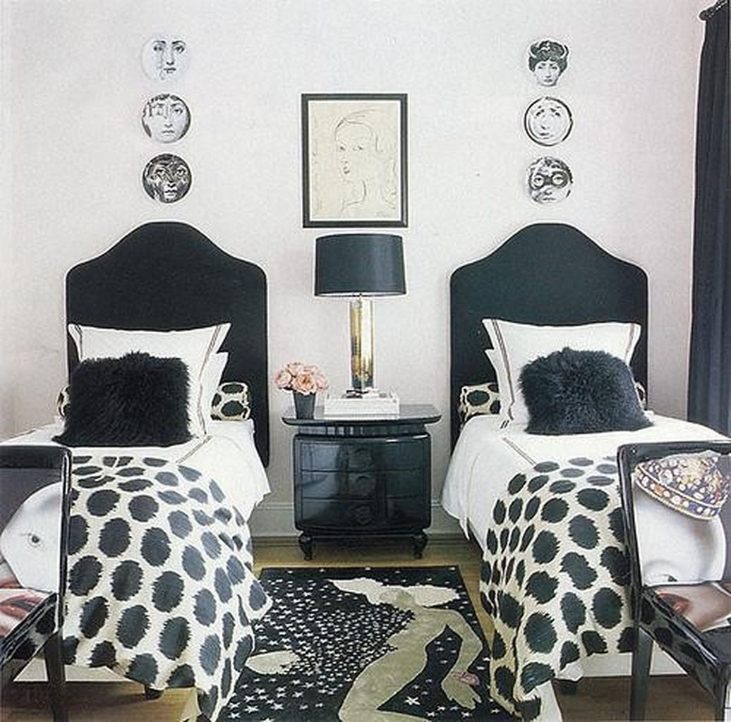 Stylish stylish black and white bedroom ideas (13)