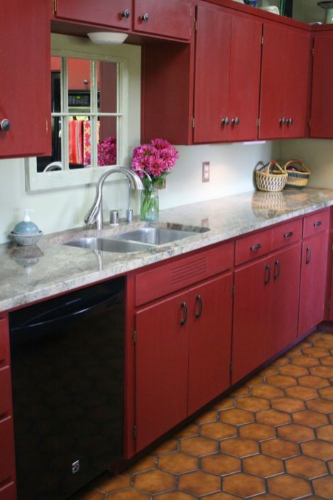 Amazing black and red kitchen decor 14