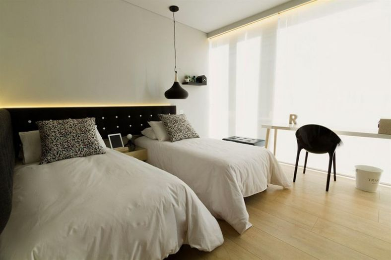 Amazing black and white furniture ideas 47