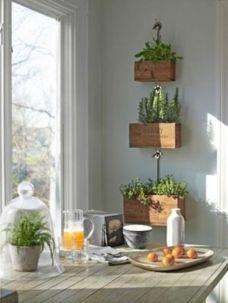Amazing indoor wall herb garden ideas (13)