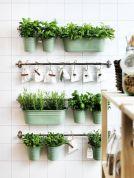 Amazing indoor wall herb garden ideas (21)