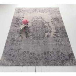Beautiful bedroom design ideas using grey carpet 024