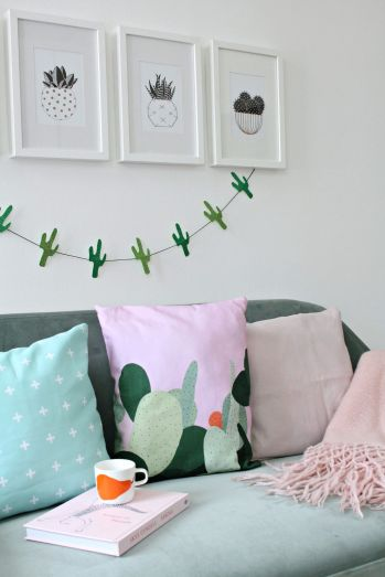 Cute bedroom design ideas with pink and green walls 46