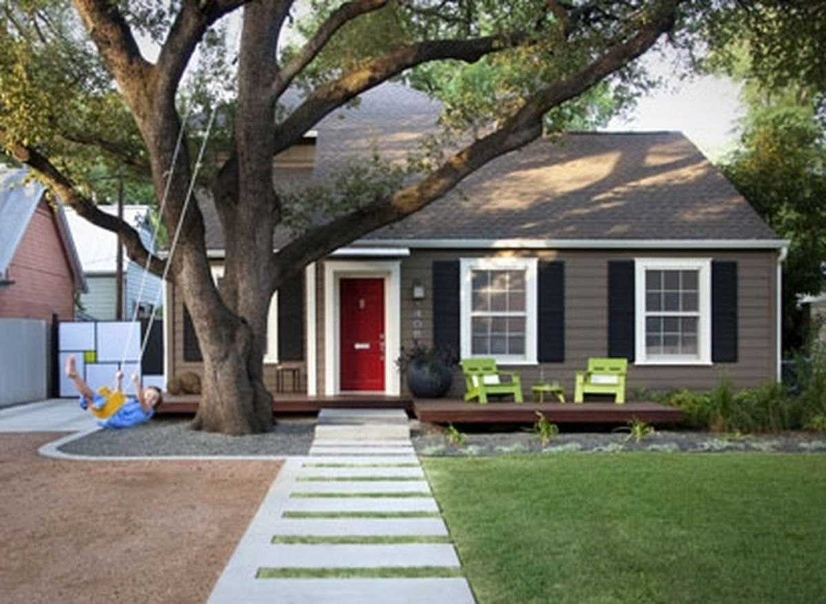 Exterior paint color ideas with red brick 45