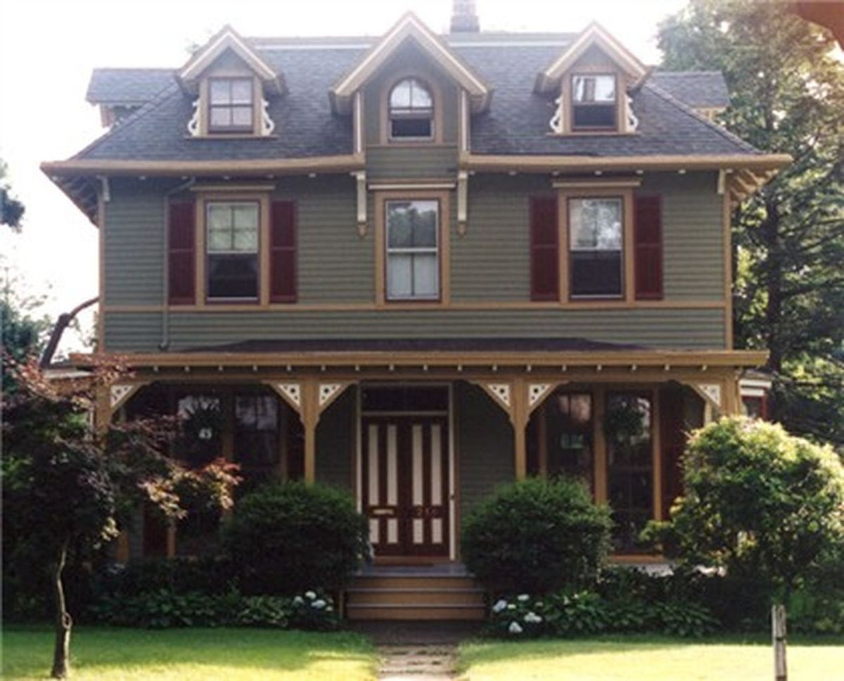 Exterior paint color ideas with red brick 46