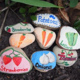 Inspiring painted rocks for garden ideas (15)