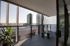 Modern apartment balcony decorating ideas 22