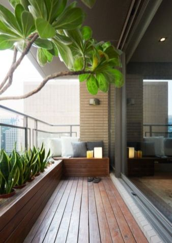 Modern apartment balcony decorating ideas 36