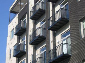 Modern apartment balcony decorating ideas 38
