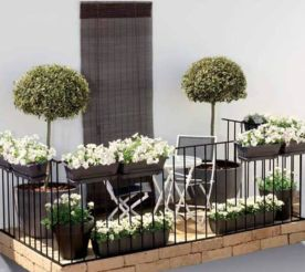 Modern apartment balcony decorating ideas 48
