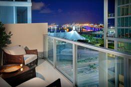 Modern apartment balcony decorating ideas 66