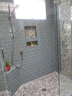 Modern small bathroom tile ideas 010