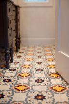 Modern small bathroom tile ideas 047