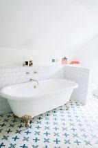 Modern small bathroom tile ideas 095