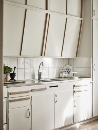 Old kitchen cabinet 17