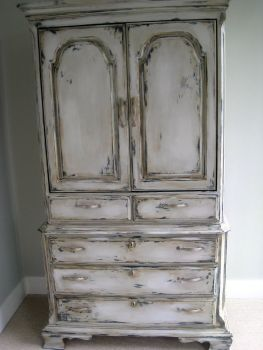 Stunning grey chalk paint furniture 07