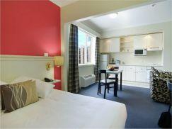 Stunning small apartment bedroom ideas 10
