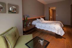 Stunning small apartment bedroom ideas 27