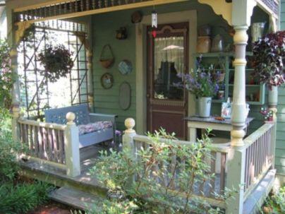 Adorable small patio garden design ideas 26