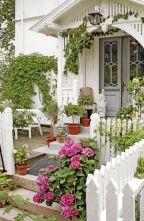 Adorable small patio garden design ideas 30
