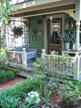 Adorable small patio garden design ideas 31
