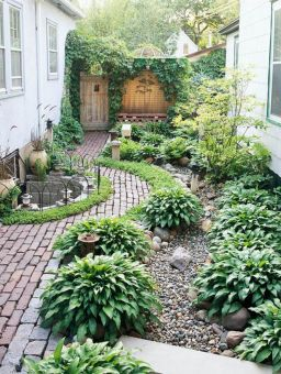 Adorable small patio garden design ideas 34