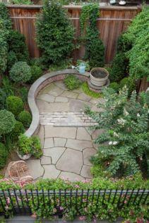 Adorable small patio garden design ideas 36