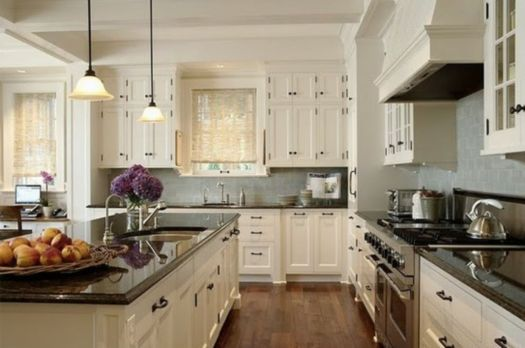 Amazing cream and dark wood kitchens ideas 54