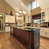Amazing cream and dark wood kitchens ideas 56