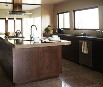 Amazing cream and dark wood kitchens ideas 70