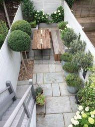 Amazing small balcony garden design ideas 11