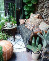 Amazing small balcony garden design ideas 24