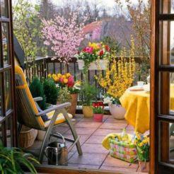 Amazing small balcony garden design ideas 26