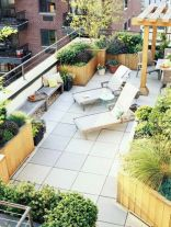 Amazing small balcony garden design ideas 42
