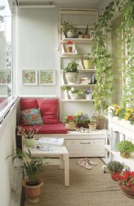 Amazing small balcony garden design ideas 51