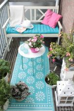Amazing small balcony garden design ideas 55