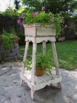 Amazing wooden garden planters ideas you should try 38
