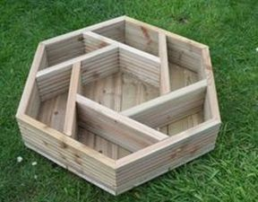 Amazing wooden garden planters ideas you should try 39