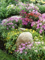 Beautiful flower garden decor ideas everybody will love 21