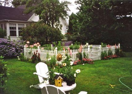Beautiful flower garden decor ideas everybody will love 25