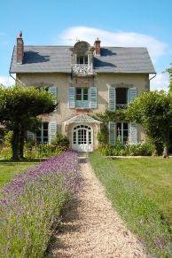 Beautiful french cottage garden design ideas 02