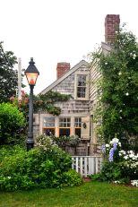 Beautiful french cottage garden design ideas 04
