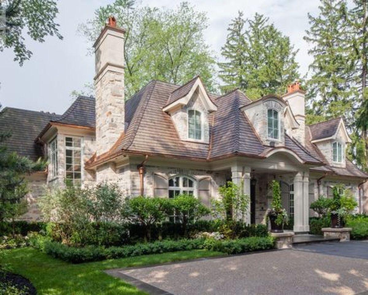 Beautiful french cottage garden design ideas 16