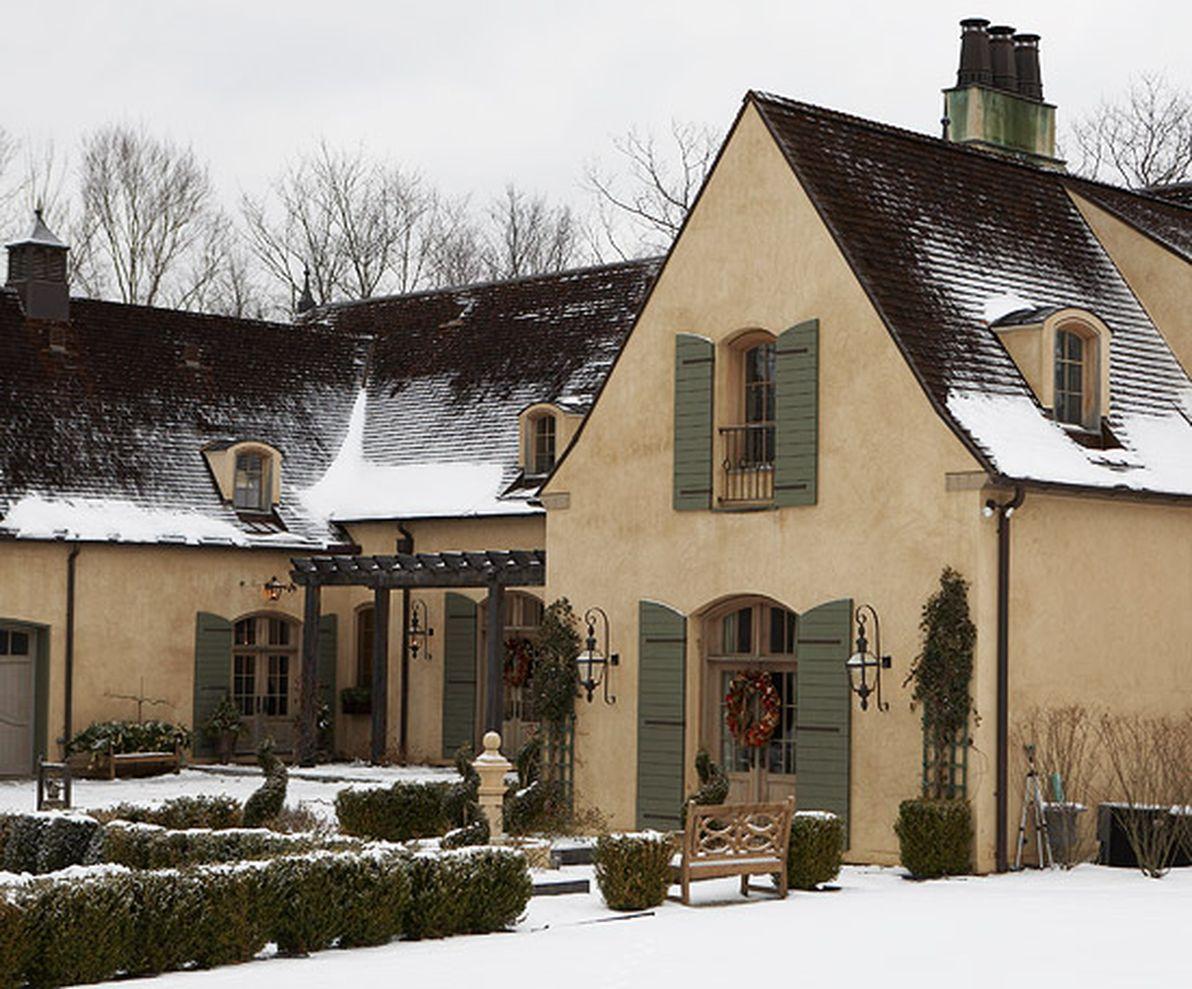 Beautiful french cottage garden design ideas 23