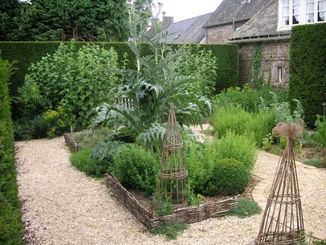 Beautiful french cottage garden design ideas 29