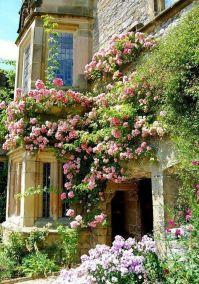 Beautiful french cottage garden design ideas 33