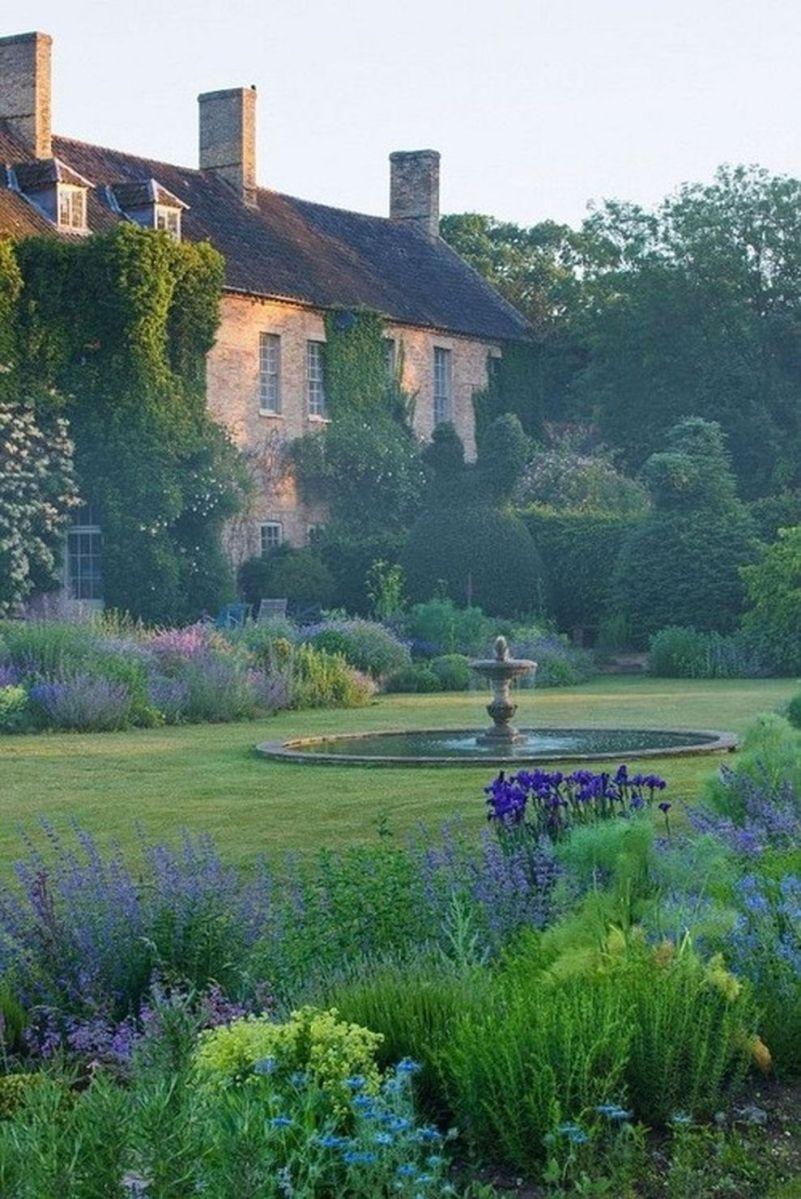 Beautiful french cottage garden design ideas 34