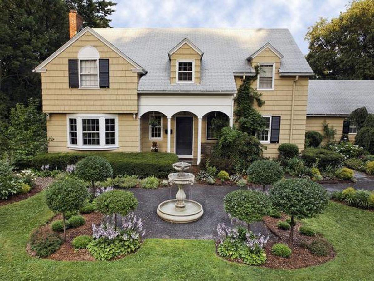 Beautiful french cottage garden design ideas 47
