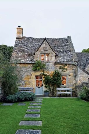 Beautiful french cottage garden design ideas 55